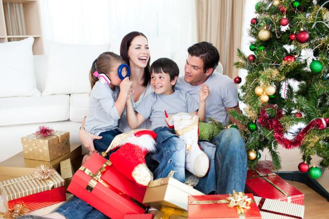 Что подарить на новый год всей семье