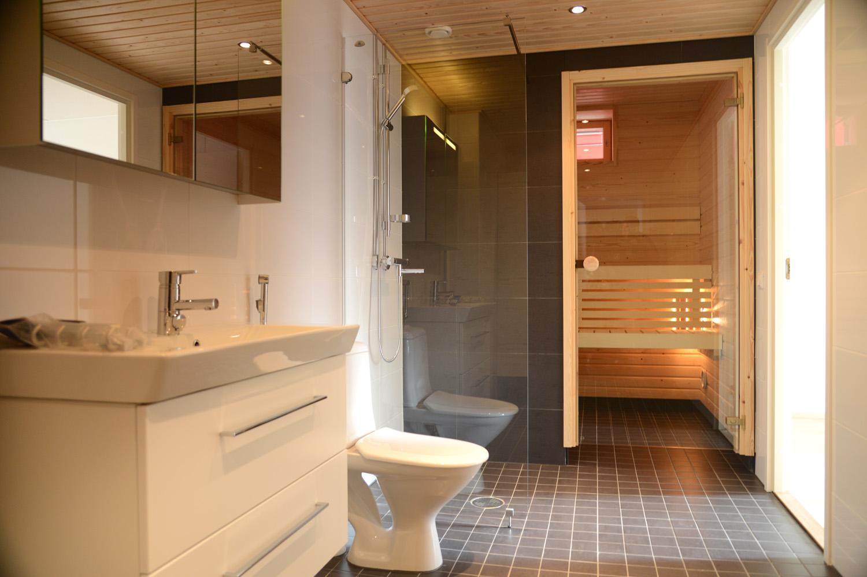 Финская сауна в ванной комнате