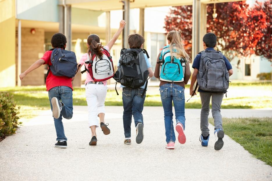 da008262ab7c Как выбрать школьный рюкзак для первоклассника / Ребенок и школа